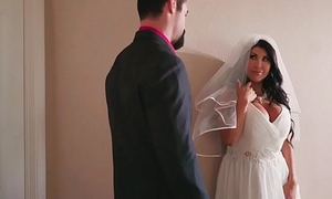 Huge tits bride cheats on her wedding day fro the best man